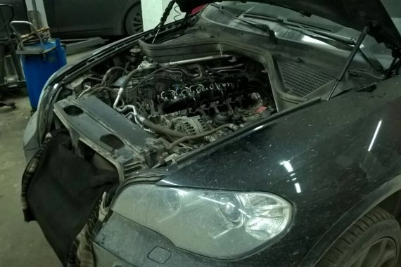 БМВ Х5 Е70 Двигатель 3.0 N57 дизель 2011 год. Замена свечей накала, блока накала