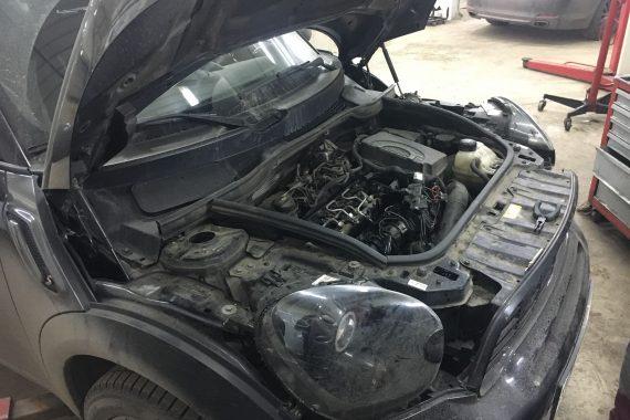 Mini Cooper SD All4 Countryman, 2014 года, 2.0 дизель 143 л.с. Замена свечей накала, замена блока накала. Ремонт резьбы головки блока.