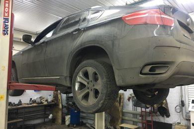 Разлетелся карданный вал, пробит корпус акпп, замена КПП и карданного вала