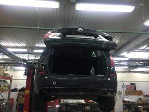 Промывка радиатора, замена сайлентблоков, ремонт задних фонарей BMW X3 F25