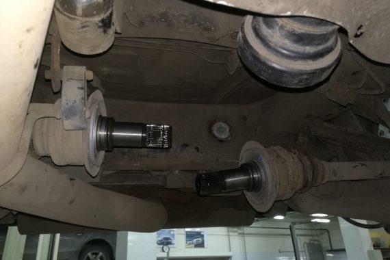 Устранение шума в задней части автомобиля BMW E70 4.0 DX