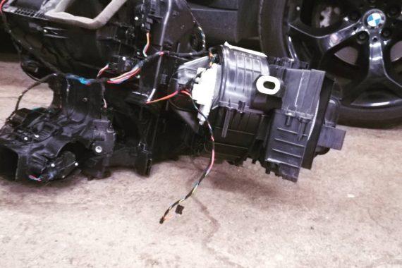 БМВ Е70 замена печки