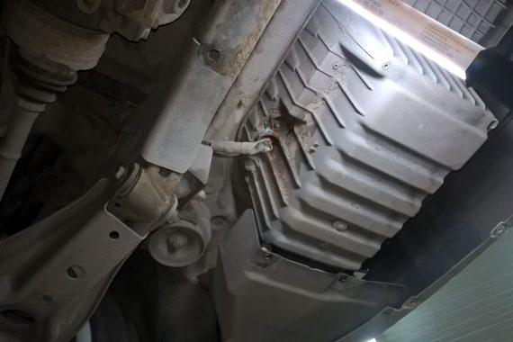 Замена плюсового провода на новый в BMW E81