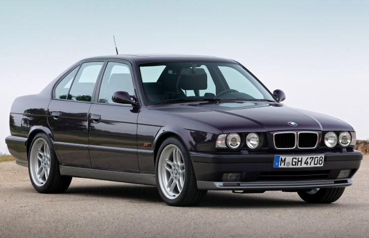 BMW M5 поколения E34